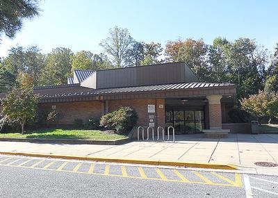 Broadneck Community Library building